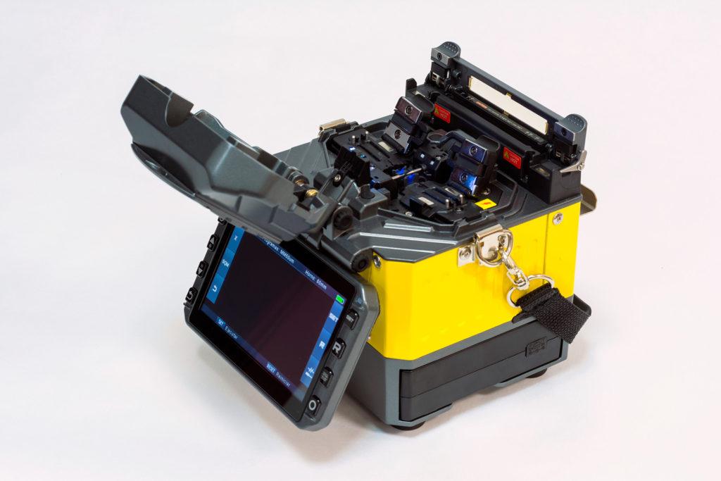 fusionadora-de-fibra-optica-abierta